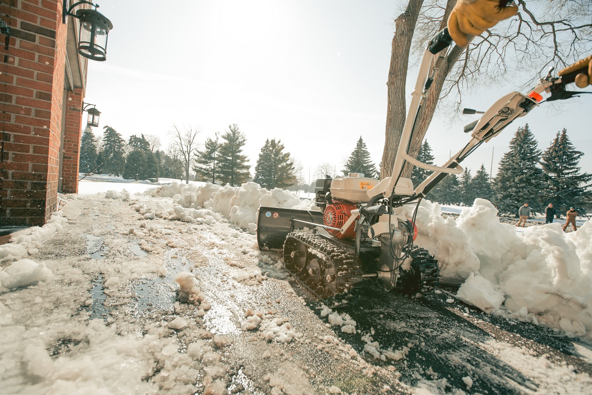 Equipment-Rental-Options-Winter-Professionals