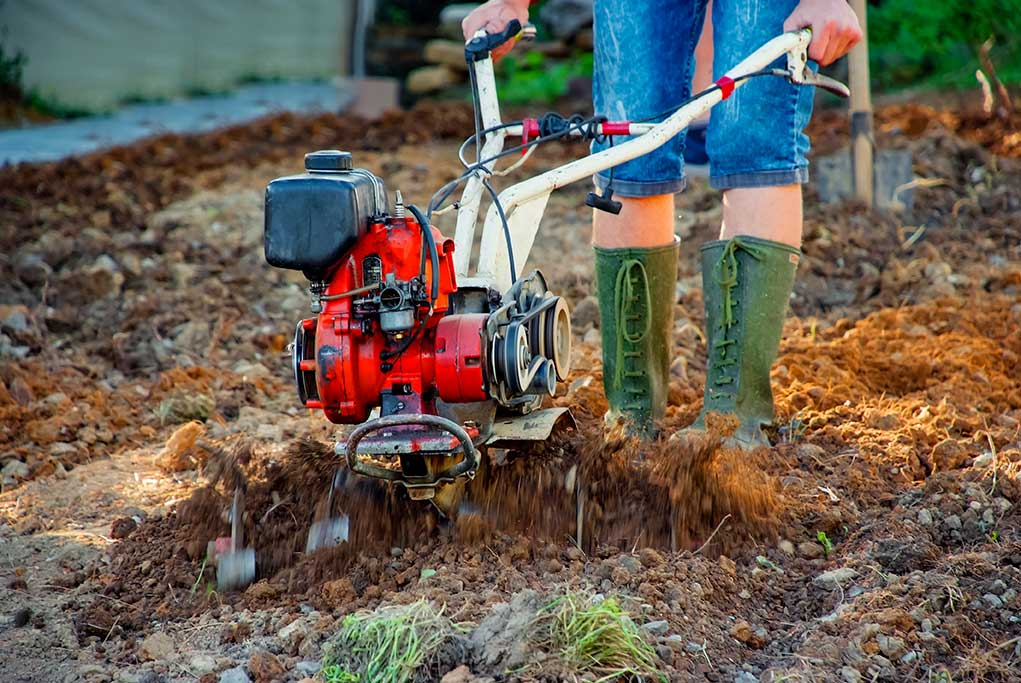 Key-Differences-Cultivator-Small-Garden-Tiller